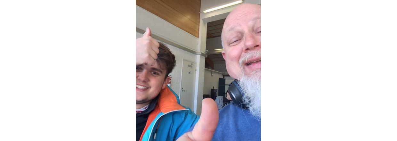 Snescooter transporterer Mads og Bill på servicejob i Finland
